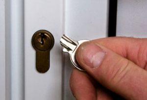Door lock assistance from locksmith Hayson Green in case of lockout